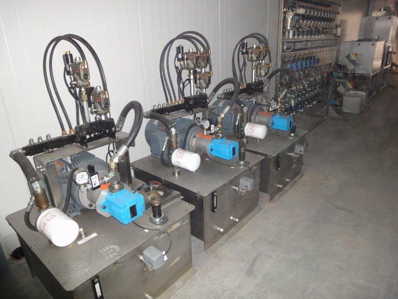 3 Hydrolische pompen à 300 liter per stuk